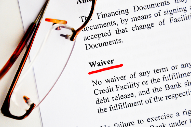Should I Purchase the Physical Damage Waiver When I Rent a Car?